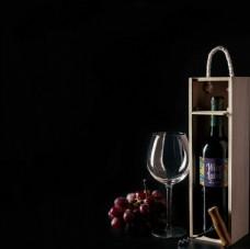 红酒包装标签样机高脚杯