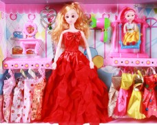 芭比娃娃玩具实物摄影